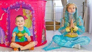 Артур и Мелисса играют с игровым Домиком, который оказался Волшебным!