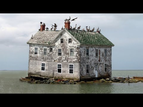 15 Most Incredible Abandoned Homes In The World