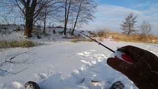 На первой же лунке плотва одна за одной Зимняя рыбалка на безмотылку
