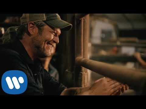 Смотреть клип Blake Shelton - Hell Right Ft. Trace Adkins