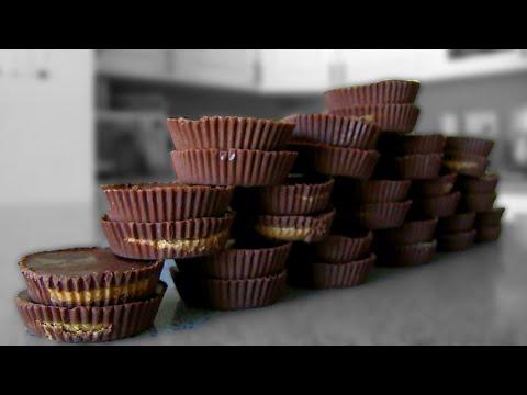 32 Reese's Peanut Butter Cups Eaten in 1 Minute