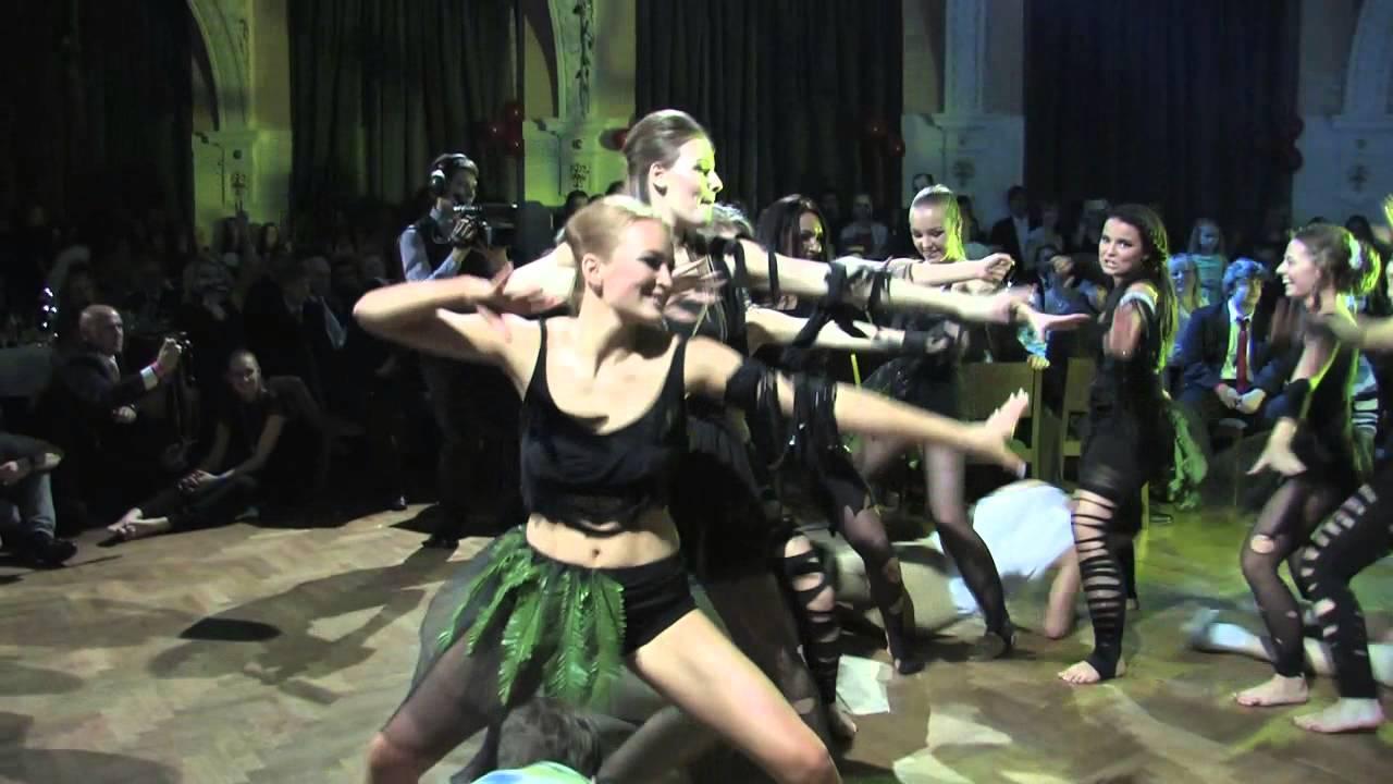 f083bdb8de7 Maturitní ples 4.B