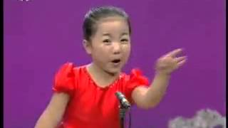 "Funny Video - ""A Little Chinese Girl Singing A Chinese Song"""
