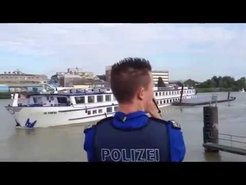 Schiffs-Crash Auf Dem Rhein