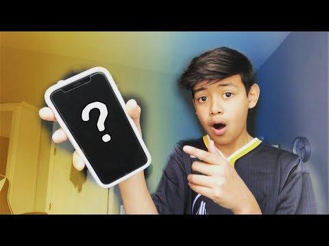 What's On My IPhone X???   Carlos Nunez