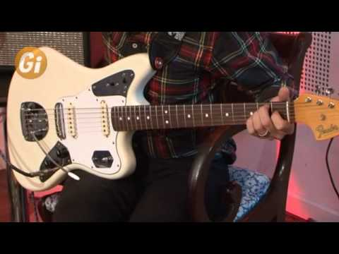 Johnny Marr plays How Soon Is Now by The Smiths (with tremolo)