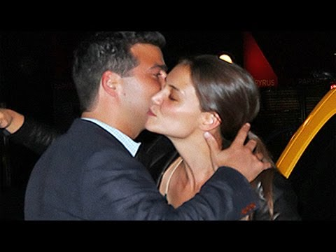 Katie Holmes DATING Jazz Musician Peter Cincotti