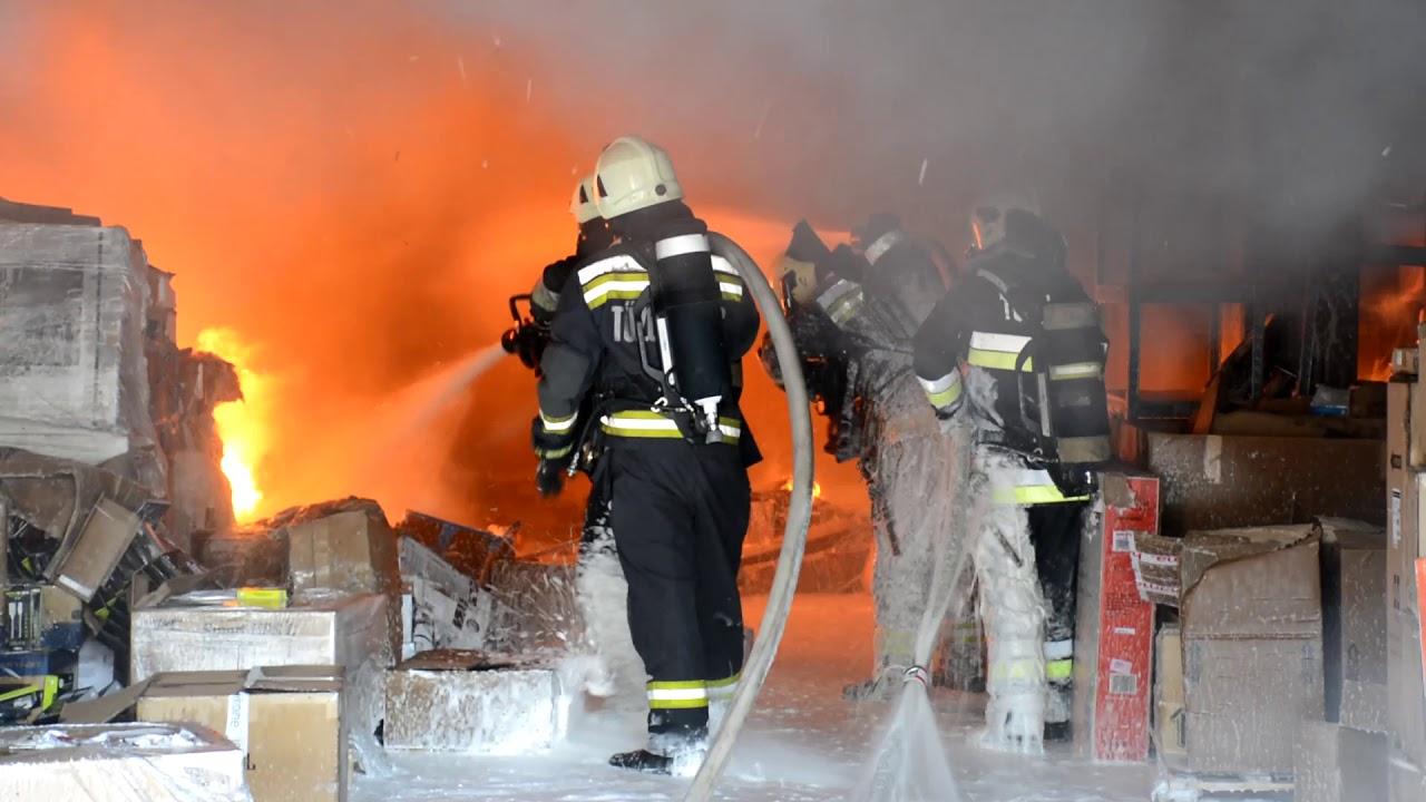 10 éves gyerek mentette ki a tűzből a társait Sziszodi és tűzoltók látása