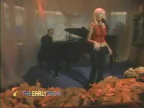Christina Aguilera - The Christmas Song LIVE