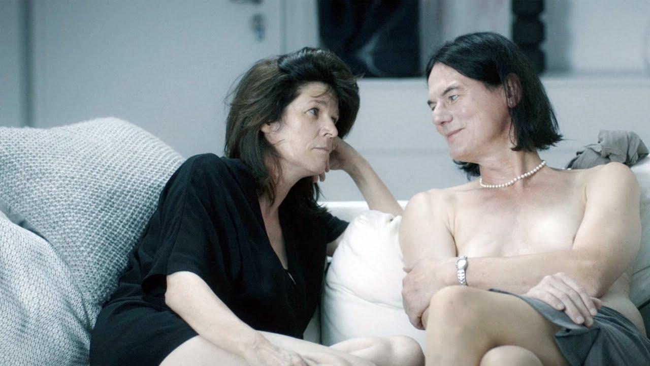 Ώριμες γυναίκες βλέποντας πορνό