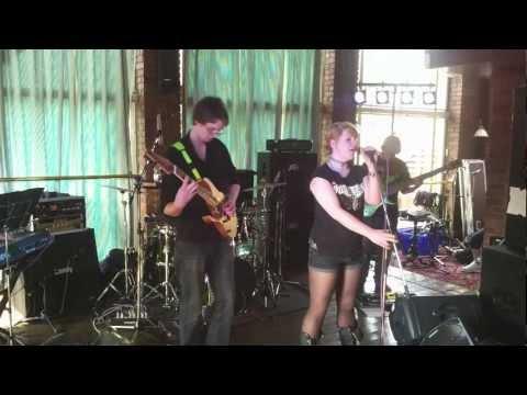 Republica - Helian Skies - Live