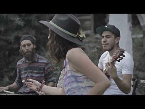 "Alexandra Blakely ""Sueltalo B-Side"" feat. Lengualerta, Jeronimo Gonzalez (Los Sonex)"