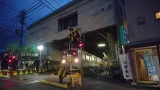 夜も運行されていた令和元年5月31日(金)の、長野電鉄8500系T2編成「朝陽さくら」ラッピングトレイン。