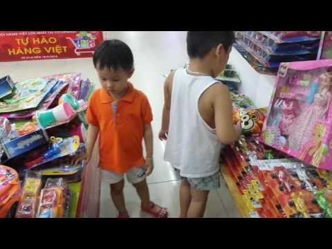 Hoàng My đi siêu thị CoopMart 15.9.2016