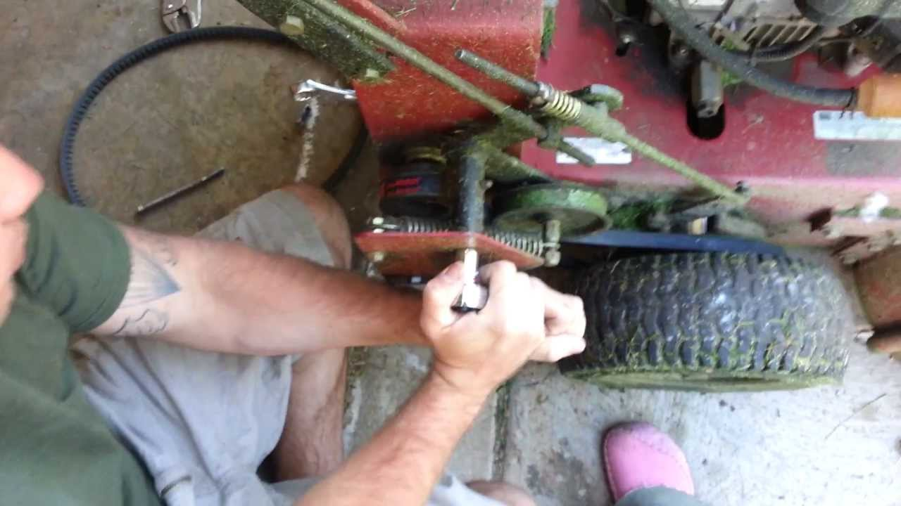 How To Change Wheel Drive Belts On Exmark Metro Youtube