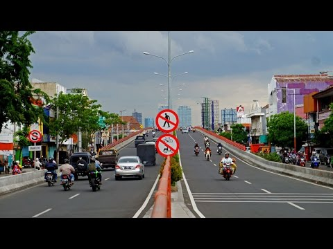 Walking in Surabaya (Indonesia)