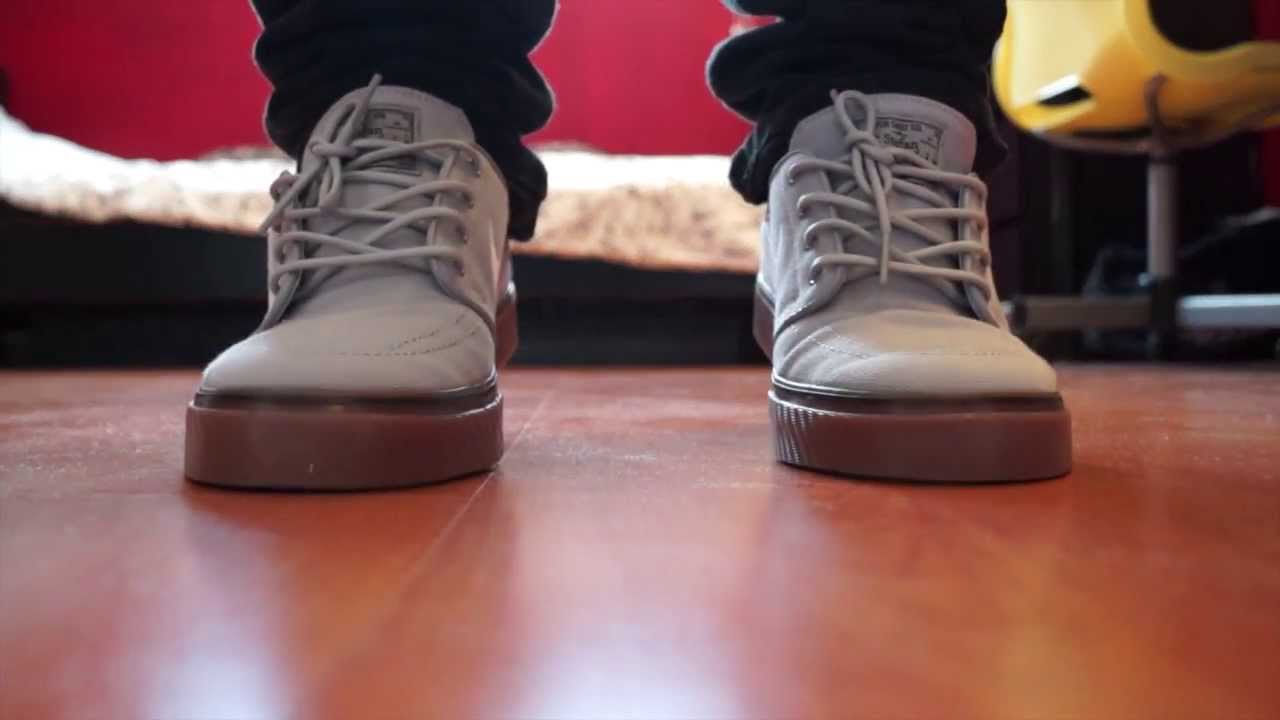 tubería Sencillez reunirse  Nike SB Stefan Janoski Wolf Grey/White-Gum Med Brown + On Feet ...