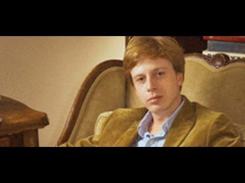 Jailed for Sharing a Web Link? Prosecution of Barrett Brown Could Set Chilling Precedent