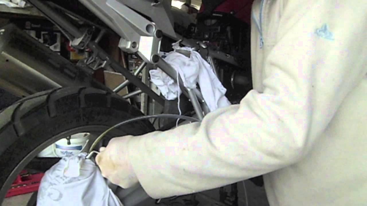 Purgar Frenos Traseros R1200gs Anyo 2010hd Youtube
