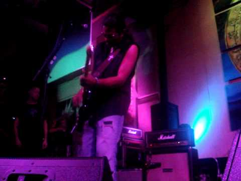 LOS LONELY BOYS MORE INSTRUMENTAL  JUNE 26TH 2013 DONNIES HOMESPUN SPRINGFIELD IL