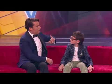 Мальчик поет Гимн Казахстана и знает 40 языка😱😱😱