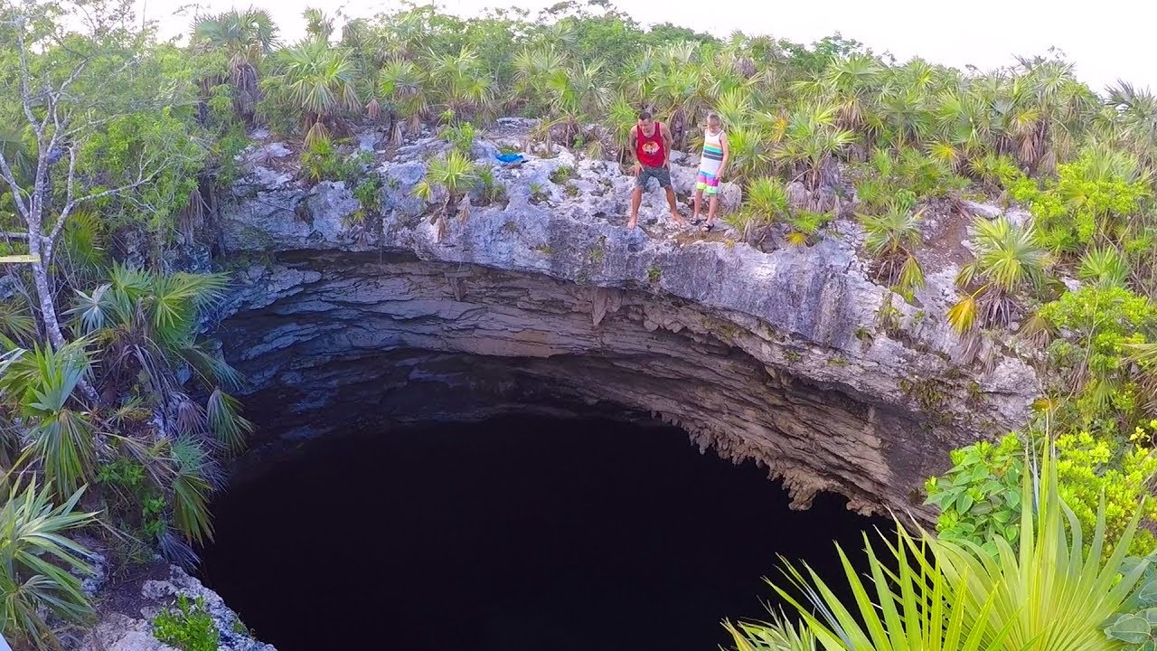 amazing-hole-in-the-earth-we-jumped-in