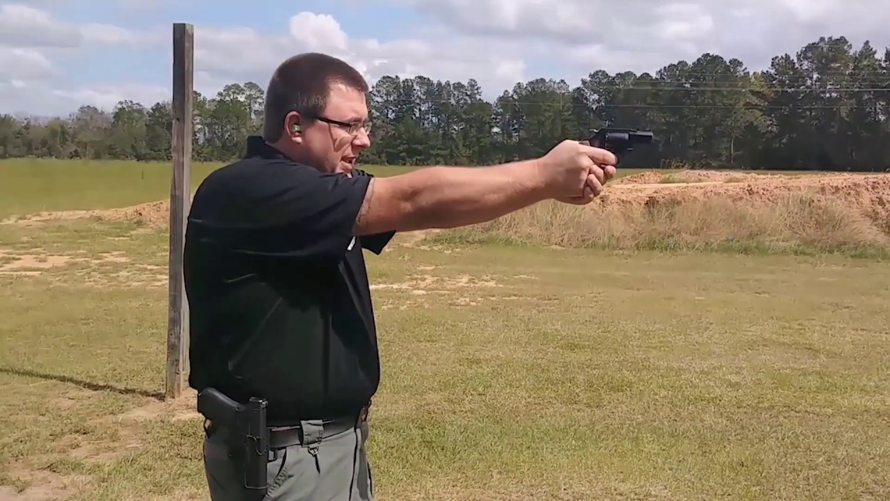 [FIRST LOOK] Shooting the S&W M360  357 Airweight
