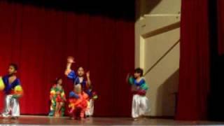 Larita y Piero Stefano bailando el Mambo No. 8 Colegio Manuel Pardo de Santa Anita