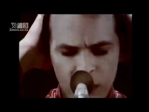 Gary Numan's struggles with the piano. New zealand 3news. mp3