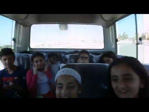 Musique Kurde Et Bonne Ambiance Dans Le Bus De L'école Française D'Erbil, Irak, Kurdistan