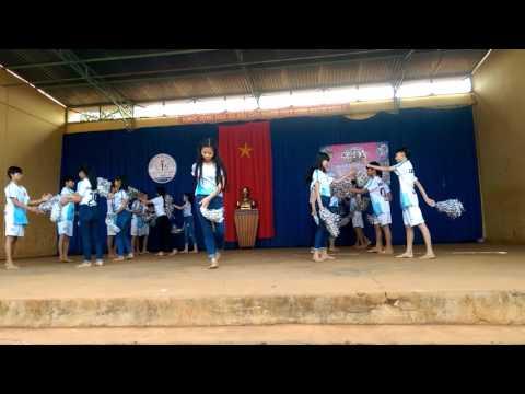 Dân vũ lớp 9C trường THCS Nguyễn Văn Trỗi huyện EaHleo