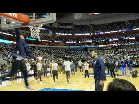 Mavs forward Dwight Powell throws down a pre-game dunk (2017)