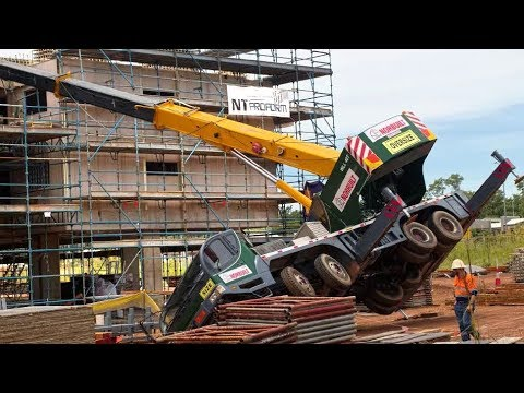 TOP 10 Extremely Dangerous Crane Fails & Heavy Equipment Gone Wrong Compilation !