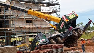 TOP 10 Extremely Dangerous Crane Fails \u0026 Heavy Equipment Gone Wrong Compilation !
