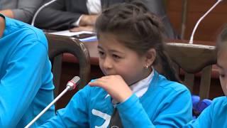 Gambar cover Девочка расплакалась после смеха депутатов