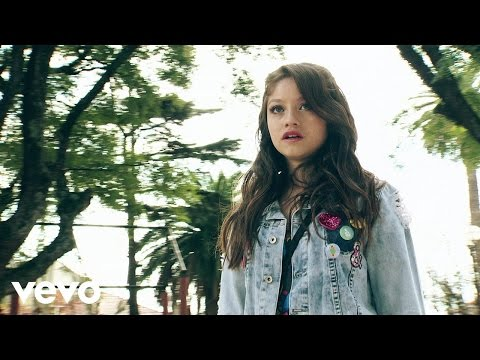 "Vives en Mí (""Soy Luna"" Momento Musical/Luna y Matteo)"
