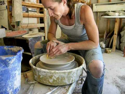 How to throw a dinner plate on the potter's wheel.