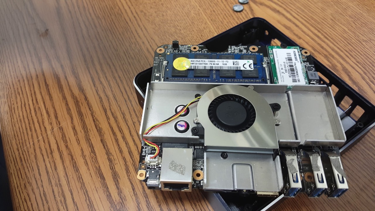 Ноутбук-трансформер за 300$ из Китая: VOYO VBOOK V3 на Pentium .