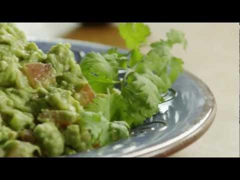 How to Make Easy Guacamole