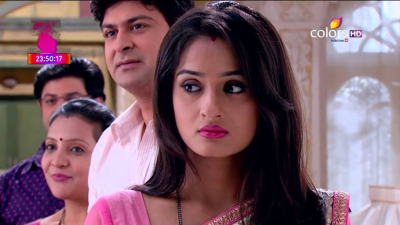 This shawl scene from Sasural Simar Ka is not for the