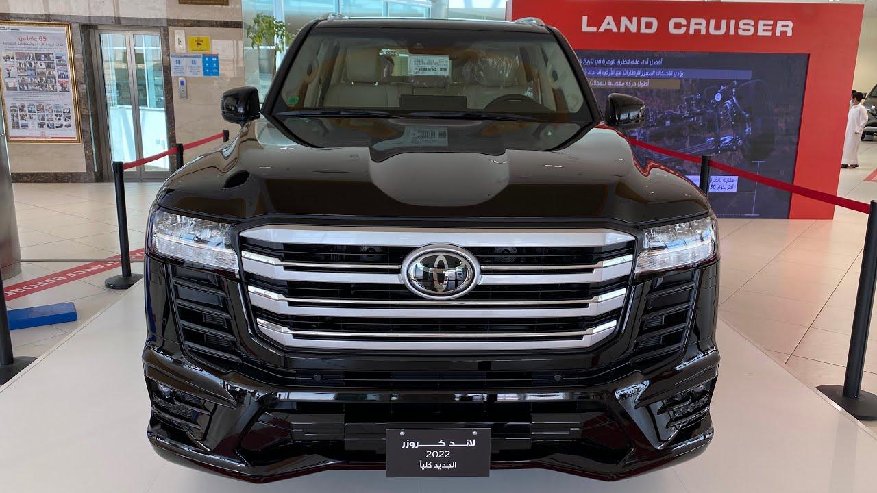 لاندكروزر 2022 فئة GXR زوائد الدرجة الاولى محرك 3.5L تون تيربو مقاعد جلد وشاشه 12.3 وارد الساير