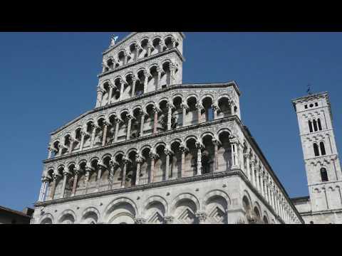 Lucca , Tuscany Toscana , Italy  - Tour / Travel / Guide / Essence V2