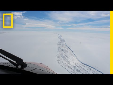 See the Huge Crack in West Antarctica Before Iceberg Broke Off | National Geographic