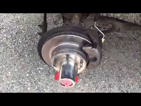 Changing Ford F-150 Top Hat Style Locking 4x4 Hubs - YouTube