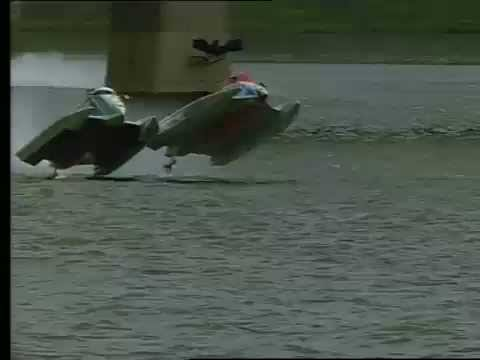 26/09/2004 - Crash Putrajaya Cappellini vs Trask