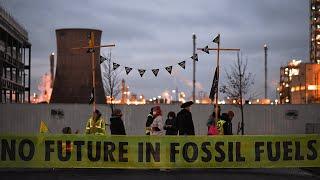 Extinction Rebellion block Ineos refinery gates