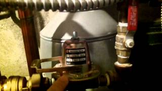 How to remove the air from your hot water heating system