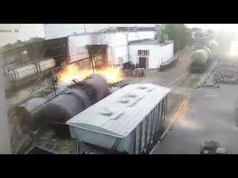 Жуткий взрыв в вагоно-ремонтном депо под Волгоградом попал на видео