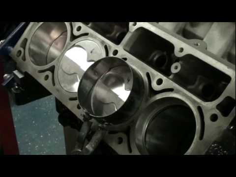 How to Install pistons for 404 cubic inch LSX stroker project LS1 LQ9 LQ4  LS3 LS2