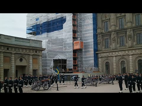 Смена караула в Стокгольме 23.06.2017 (The changing of the Royal guards in Stockholm)